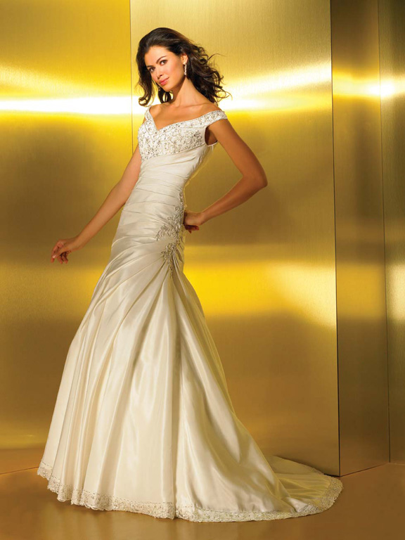 Orifashion HandmadeGraceful Bridal Gown with Off-the-Shoulder St