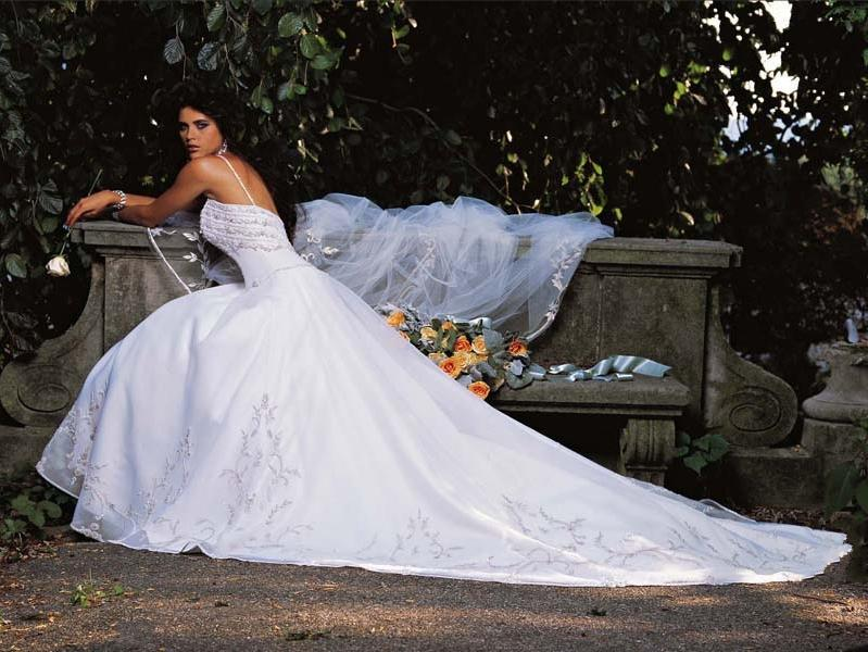 Orifashion HandmadeEmbroidered and Swarovski Beaded Bridal Gown