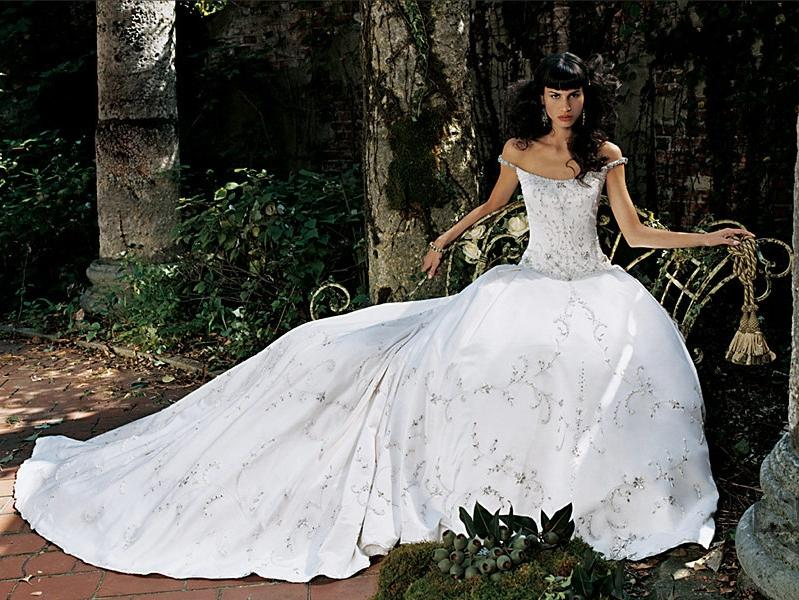 Orifashion HandmadeEmbroidered and Beaded Princess Style Bridal