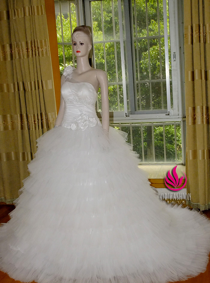 Orifashion Handmade Romantic One Shoulder Bridal Gown